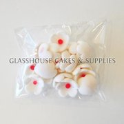 White with Pink Center Blossom Flowers Edible Toppers - 20 pack